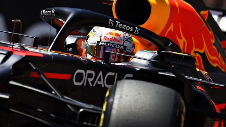 You are currently viewing Red Bull Racing Honda Names Tezos as Its Official Blockchain Partner