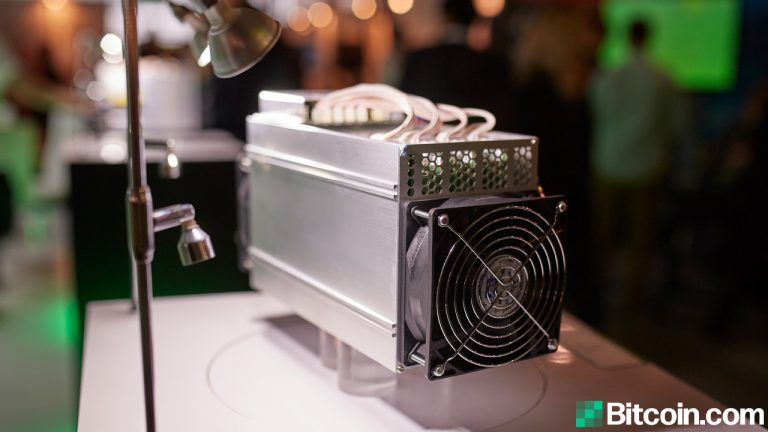 You are currently viewing Report: China's Bitcoin Hashrate Dominance Dives, 'North America Could Steal the Lead'