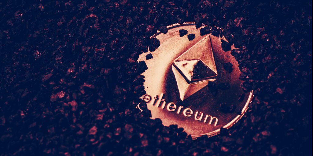 You are currently viewing Ethereum Mining Revenue Topped Bitcoin in May With $2.35 Billion