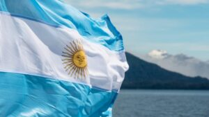 Read more about the article Argentine Lawmaker Presents Bill Enabling Workers to Receive Salary in Cryptocurrency