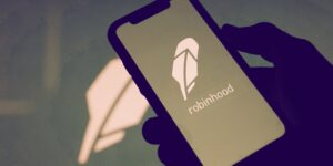 Read more about the article Robinhood Stock Debuts at $38, Immediately Drops 9% Before Recovering