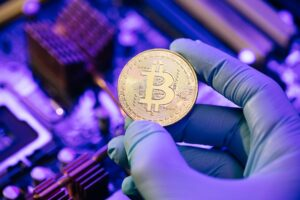 Read more about the article The cleaning company that mines bitcoin and launders money