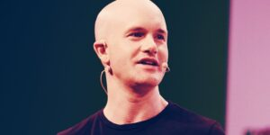 Read more about the article Coinbase Is Adding $500 Million of Crypto to Its Balance Sheet: CEO Brian Armstrong