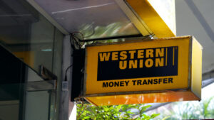 Read more about the article Report Says Western Union Could Lose $400M if El Salvador's Chivo Bitcoin Wallet Gains Traction, Tim Berners-Lee Weighs In