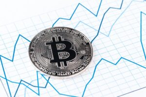 Read more about the article Plan B predicts Bitcoin at $135k by December